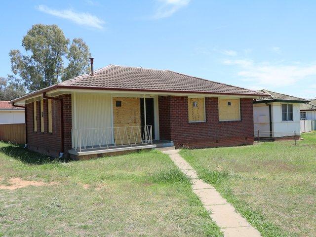 10 Lae Avenue, NSW 2650