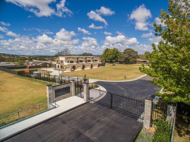 22-24 Freeman Crescent, Armidale NSW 2350
