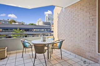 2/7-9 Pittwater Road