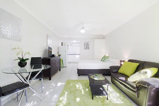 4-4A/12 Coolgardie Street, Elanora QLD 4221