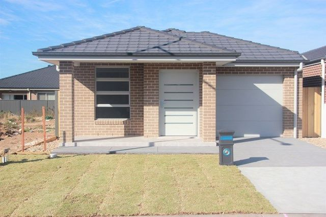 46a Bourne Ridge, Oran Park NSW 2570