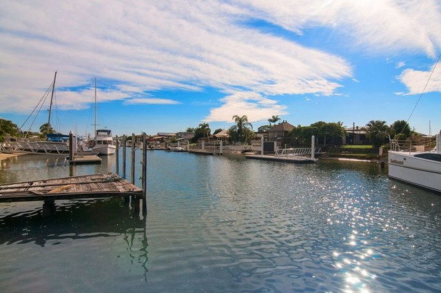 65 Oxley Drive, Paradise Point QLD 4216