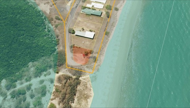 2 Taylor Street, Tully Heads QLD 4854