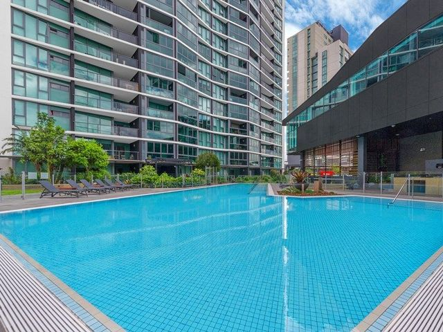 21604/8 Harbour Road, QLD 4007