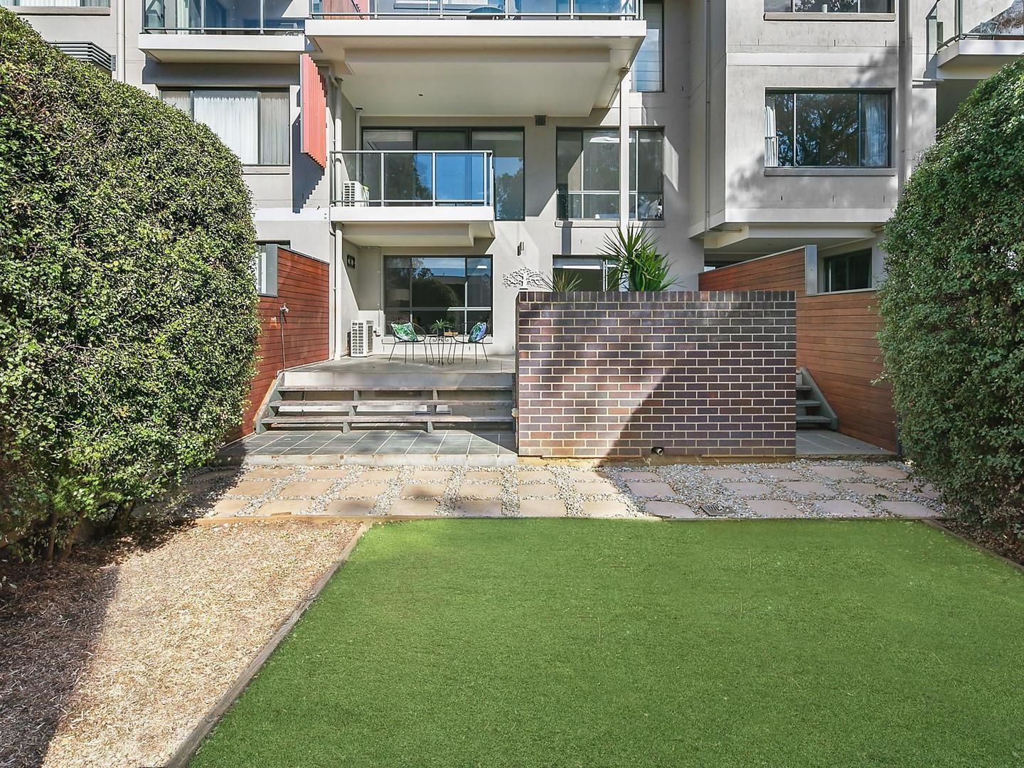152 395 Antill Street Watson Act 2602 Apartment For
