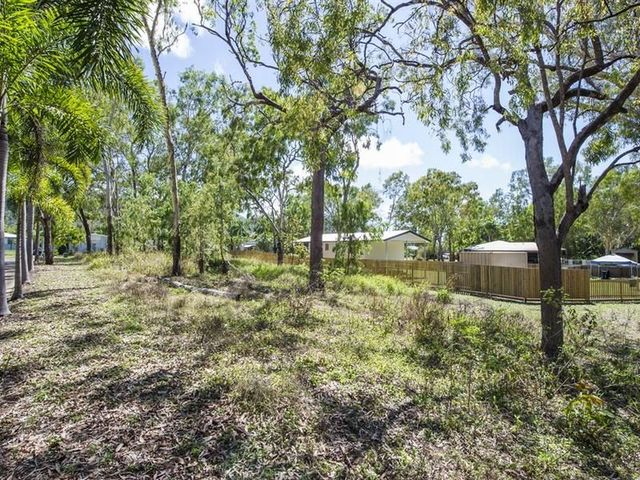 40 Yates Street, Nelly Bay QLD 4819