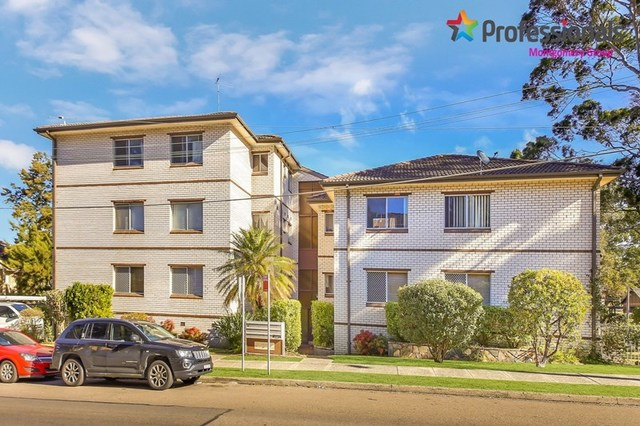 9/32 Hampton Court Road, Carlton NSW 2218