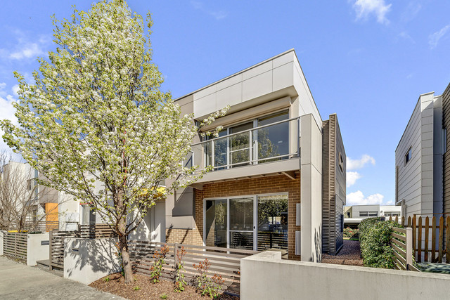 16 Ultimo Street, Crace ACT 2911
