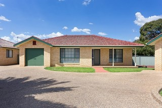 3/6 Chambers Place