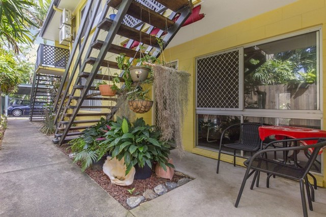 2/118 Pease Street, Manoora QLD 4870