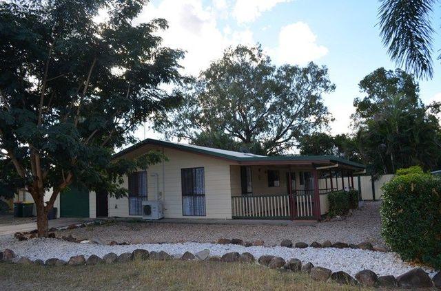 9 Suncross Place, Emerald QLD 4720