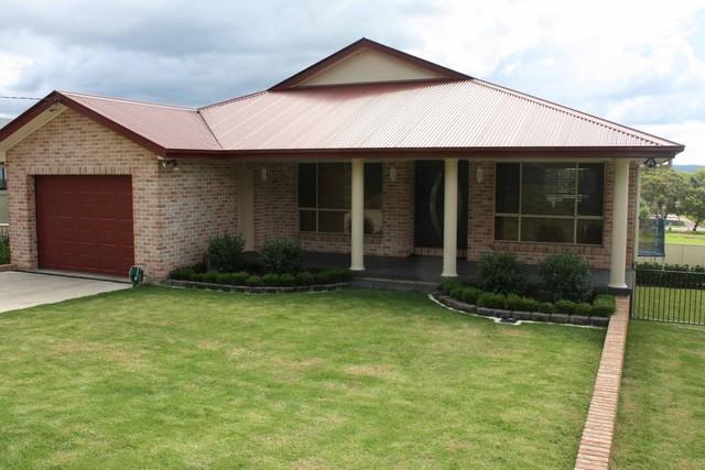 16 Bates Avenue, NSW 2370