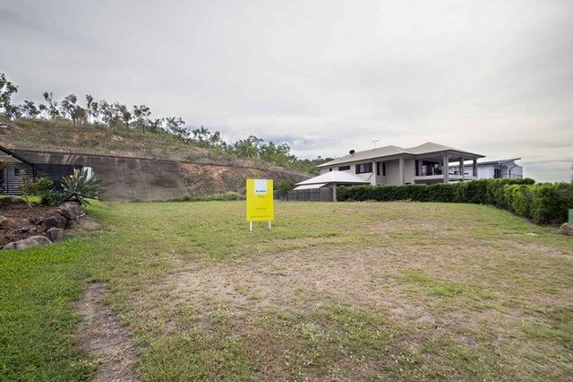 11 Blackbean Court, Mount Louisa QLD 4814