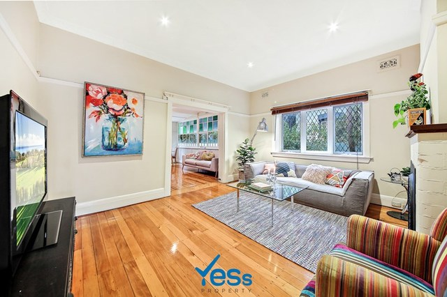 74 Laurel St, Willoughby NSW 2068