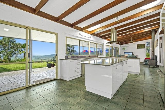 73 Staniland Drive, Strathdickie QLD 4800