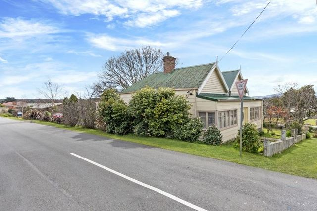 42 Crowther Street, Beaconsfield TAS 7270