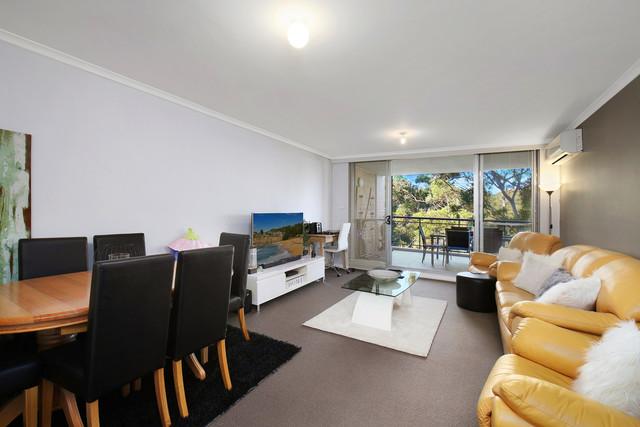 333/80 John Whiteway Drive, Gosford NSW 2250