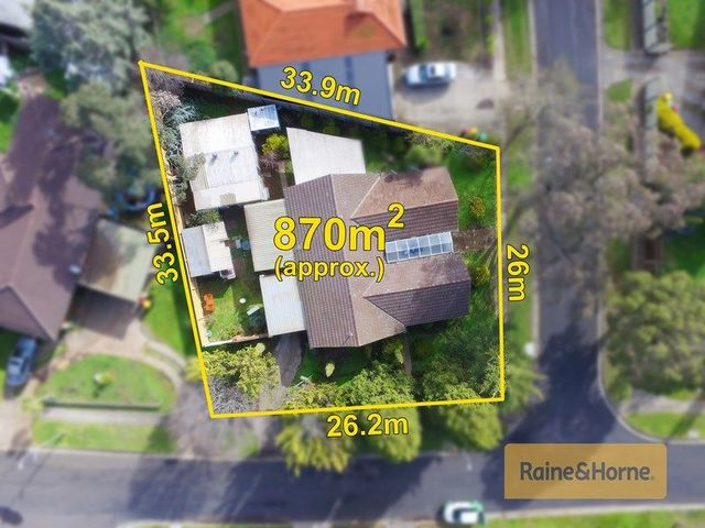 14 Linlithgow Way, Melton West VIC 3337