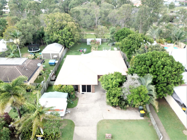 11 Honeysuckle, Kawungan QLD 4655