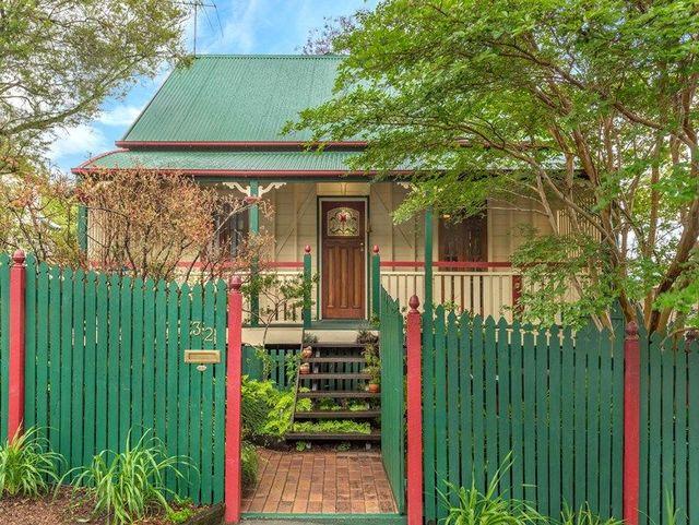 32 Vale Street, QLD 4059
