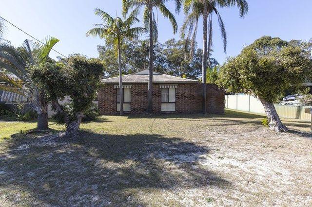 36 Kurrawong Avenue, Hawks Nest NSW 2324
