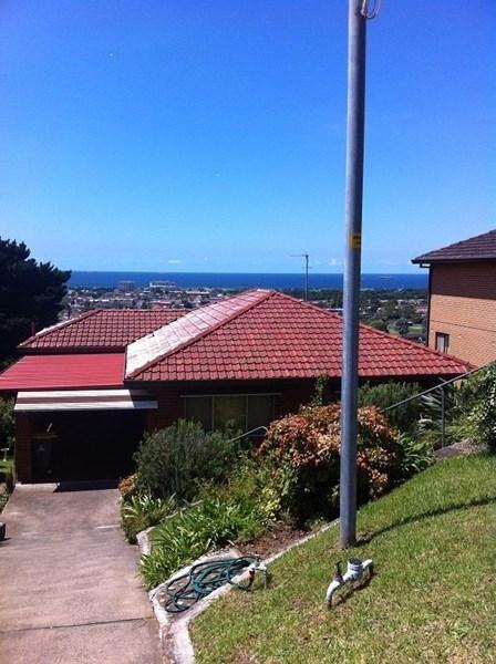 1B Gregory, Wollongong NSW 2500