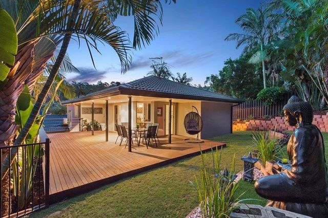 2 Napido Lane, Pacific Pines QLD 4211