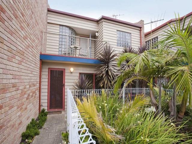 2/71 Geelong Road, Torquay VIC 3228