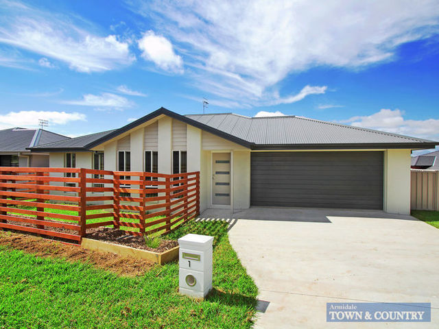 1 Campbell Parade, NSW 2350