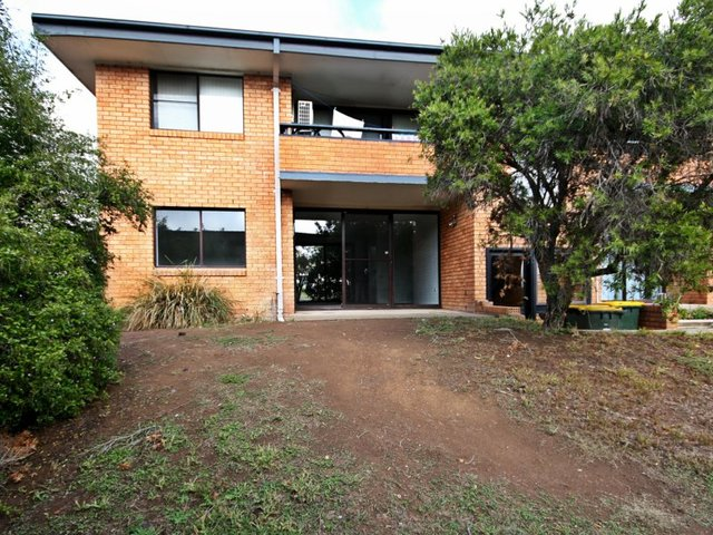 4/6 The Grove Skellatar Street, Muswellbrook NSW 2333