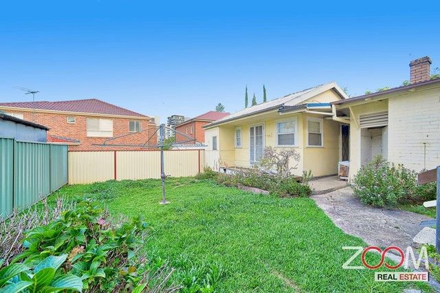 2/4 Carilla Street, Burwood NSW 2134