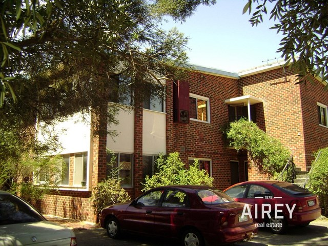 2/18 Princess Road, Crawley WA 6009