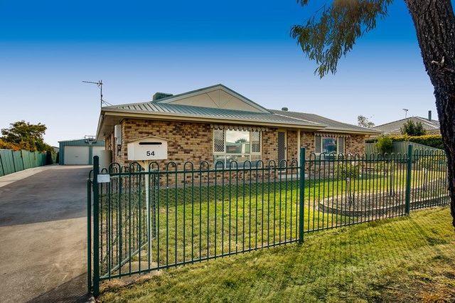 54 Stratford Drive, Wyreema QLD 4352