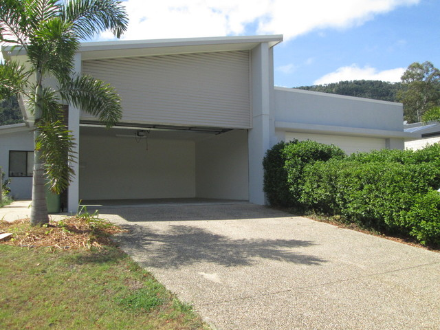 1/89 Parker Road, Cannonvale QLD 4802