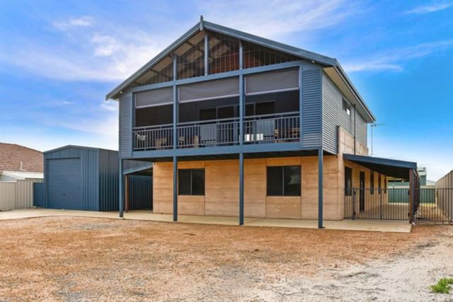 16 Heales Way, Green Head WA 6514