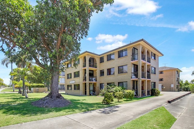 4/8 Coonowrin Street, Battery Hill QLD 4551