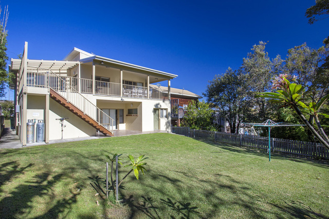 127 Mitchell Parade, Mollymook Beach NSW 2539