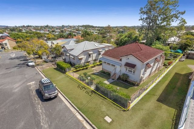 12 Hawdon Street, Wilston QLD 4051