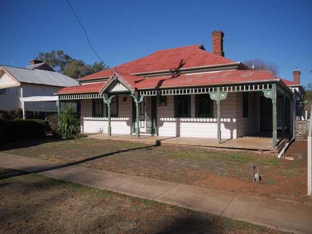 85 Warne Street, Wellington NSW 2820