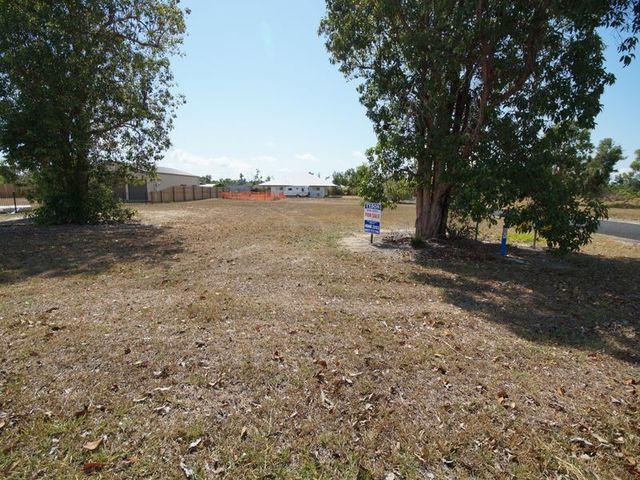 L2 Vipiana Drive, Tully Heads QLD 4854