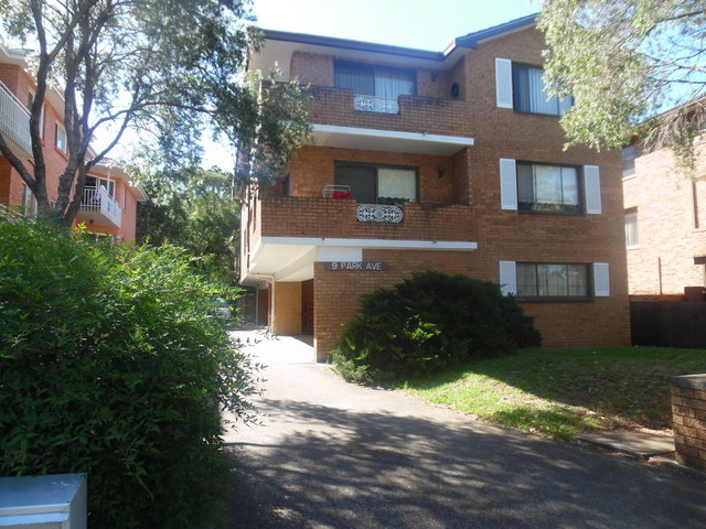 2/9 Park Ave, Westmead NSW 2145