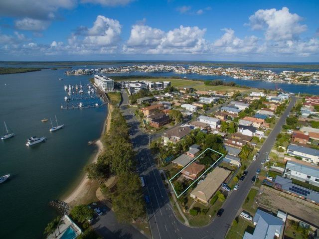 3 Esplanade West, Paradise Point QLD 4216