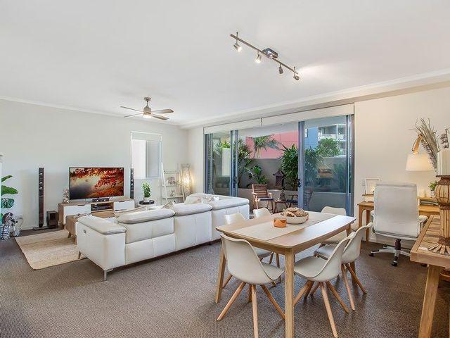 2030/1 Ocean Street, Burleigh Heads QLD 4220