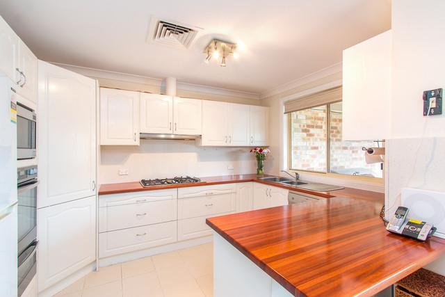 14 Bracken Close, Cameron Park NSW 2285