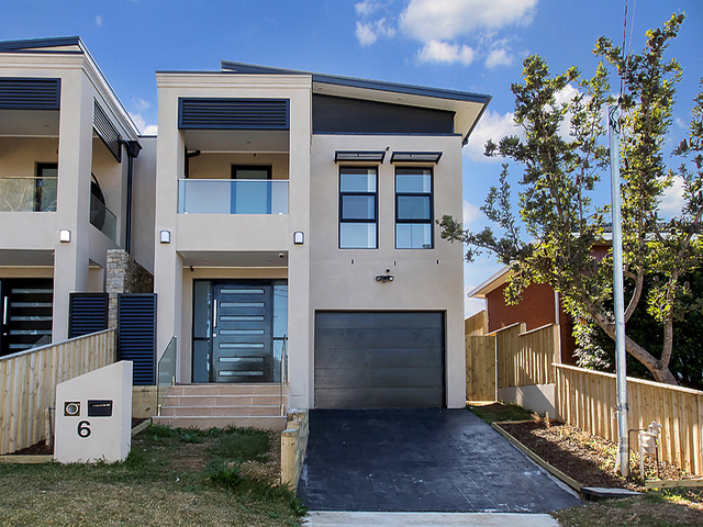 6 Wendy Ave, Georges Hall NSW 2198