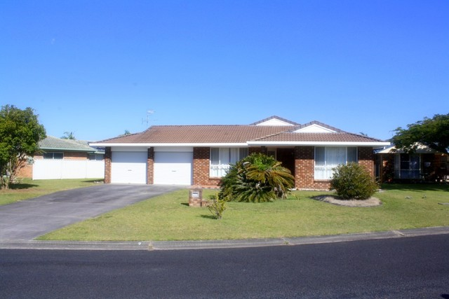 9 Admiralty Court, Yamba NSW 2464