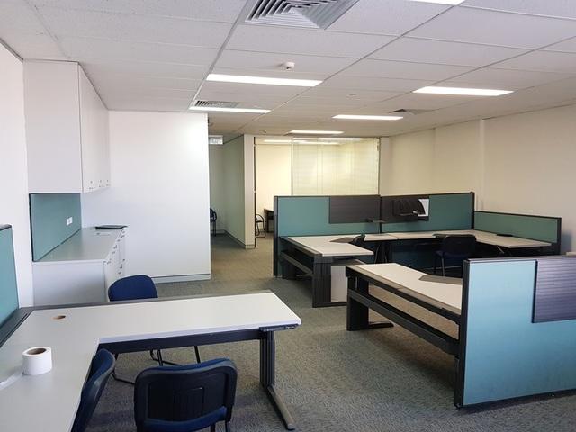 2 Oxford Road, Ingleburn NSW 2565