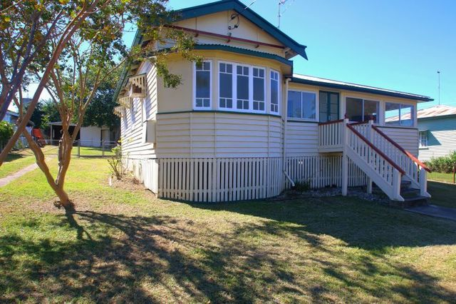 37 Kelvin Street, Monto QLD 4630