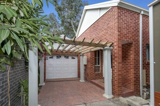 2/8 Walsh Avenue, VIC 3071