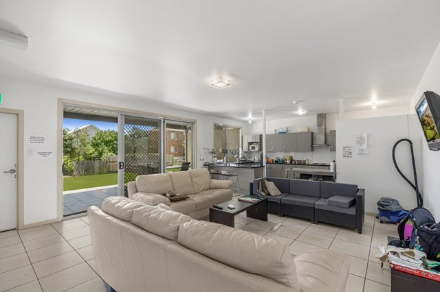 52 Bromley Street, Kangaroo Point QLD 4169